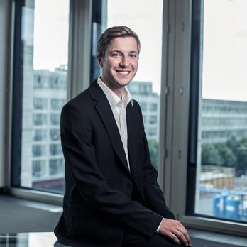 Constantijn J. Leliveld, Associate Junior ConsultantDE NL EN CN
